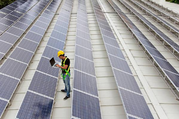 placas solares en la empresa para reducir gastos